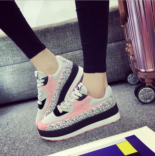 صورة احذية بنات , اجمل تشكيله شوزات للبنات