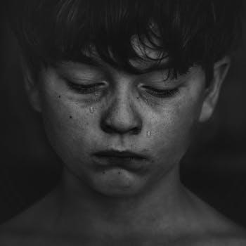 صور شباب حزينه رمزيات حزن للرجال صباح الحب