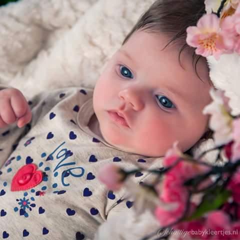 بالصور اطفال صغار حلوين , صور لاطفال صغار حلوين 1652 8