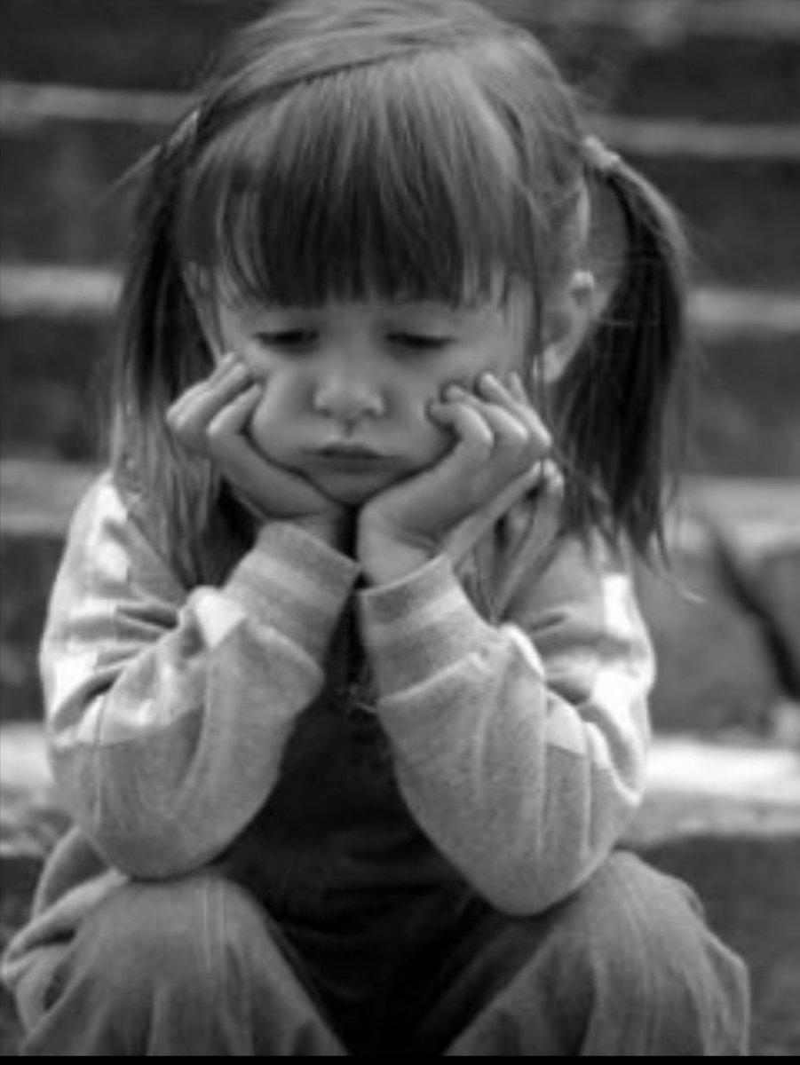 صوره طفلة حزينة , صور طفلة حزينة