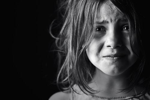 بالصور طفلة حزينة , صور طفلة حزينة 1656 2