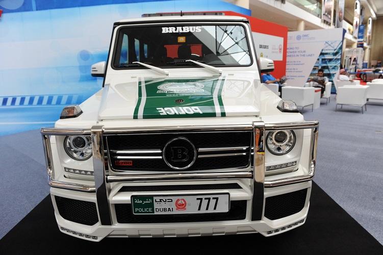 صورة سيارات الامارات , الموديلات الحديثة للسيارات المتوفرة في الامارات 2008 1