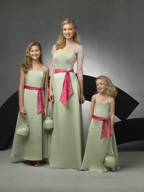 بالصور فساتين طويله فخمه , جمال الفساتين الطويلة وشياكتها على الفتاة 2684 11