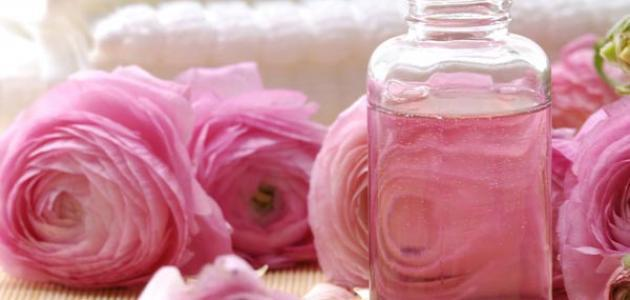 صورة استخدامات ماء الورد , ماهى فوائد ماء الورد فى حياتنا؟