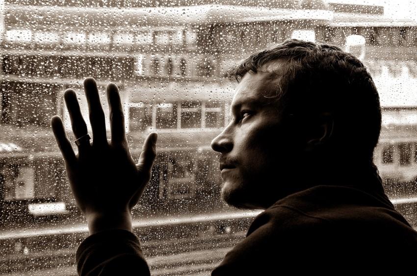صورة صور شخص حزين , اشخاص يظهر حزنهم على وجوههم