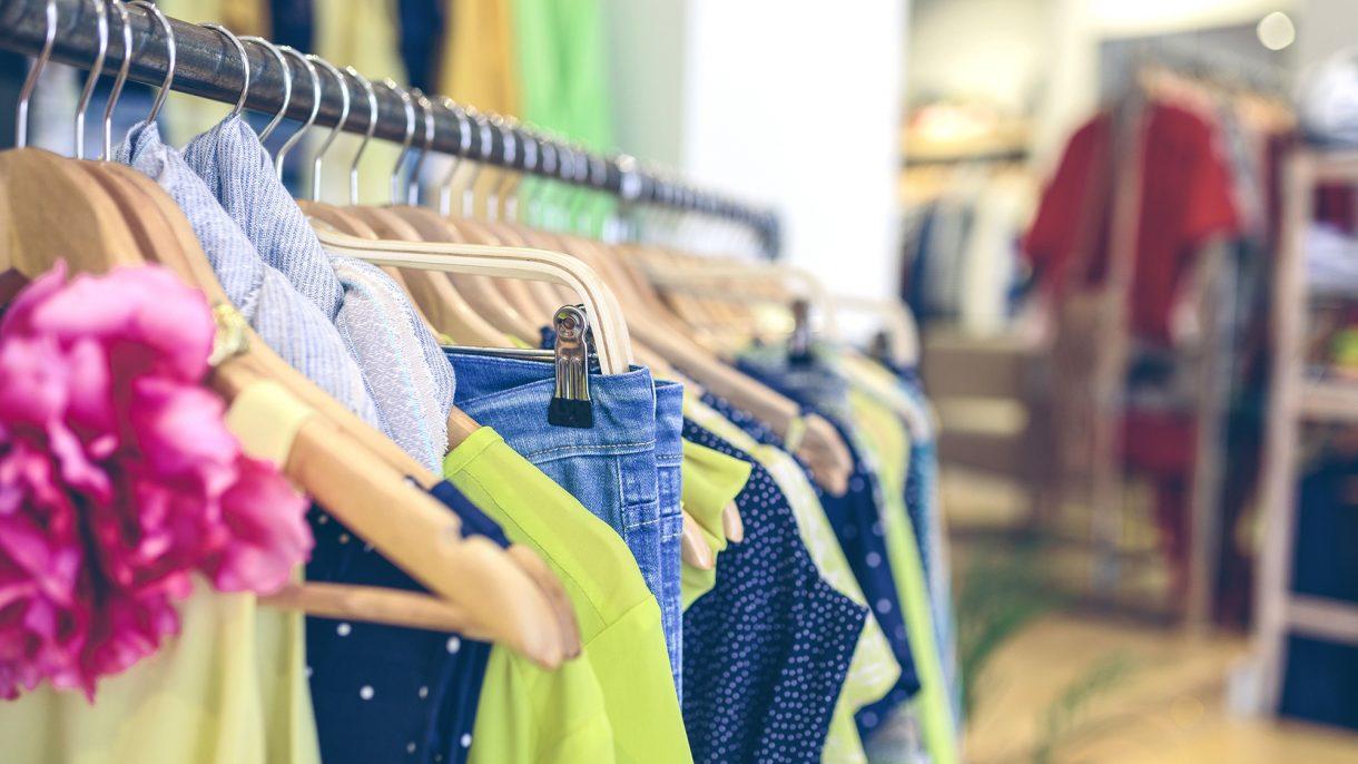 بالصور تسوق ملابس , الى من يعشقون التسوق 2877