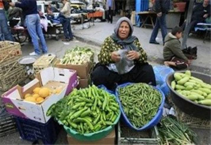 صورة نسوان الشارع , نساء يعملن في كد حتى لو في الشارع