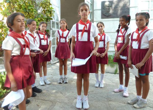 بالصور بنات المدرسه , صور جميلة لبنات في مرحلة الدراسة 3356 6