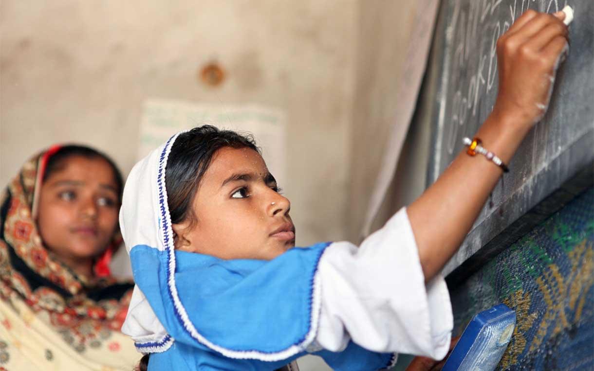 بالصور بنات المدرسه , صور جميلة لبنات في مرحلة الدراسة 3356 7