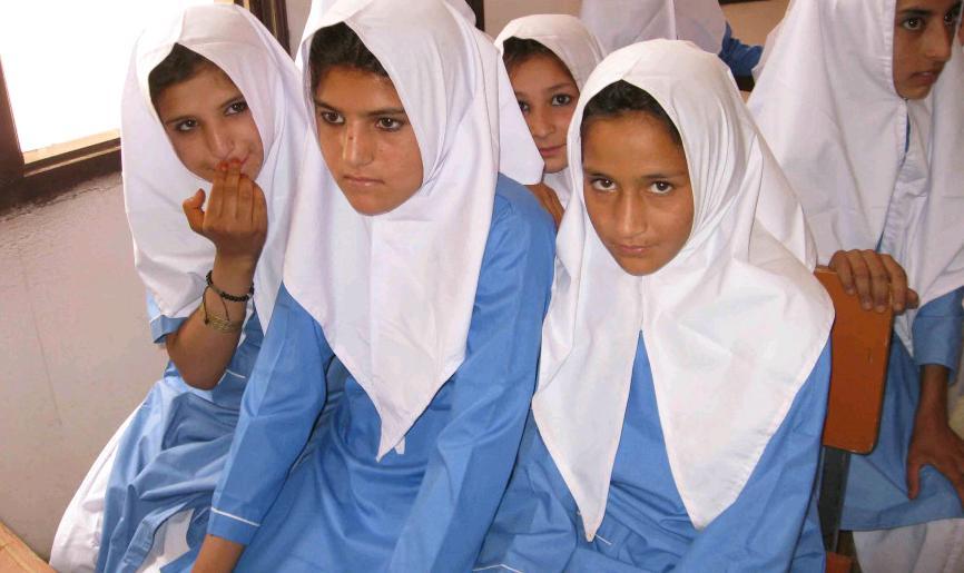 بالصور بنات المدرسه , صور جميلة لبنات في مرحلة الدراسة 3356 8
