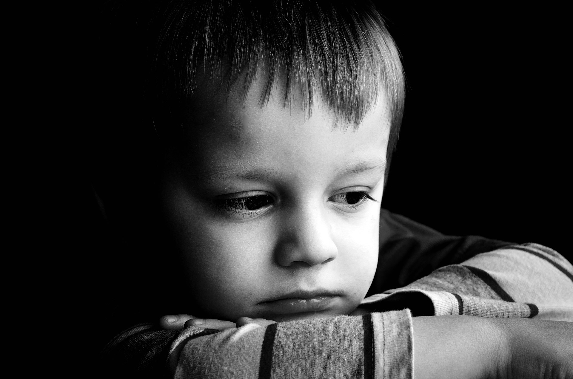 بالصور صور واتس حزينه , عبر عن حزنك في الواتس اب بصور مؤثرة 3376 3