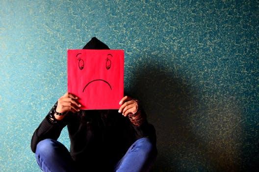 بالصور صور واتس حزينه , عبر عن حزنك في الواتس اب بصور مؤثرة