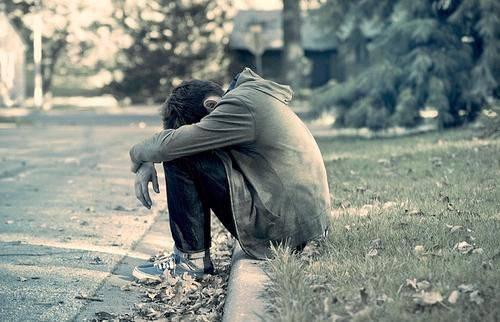 بالصور صور واتس حزينه , عبر عن حزنك في الواتس اب بصور مؤثرة 3376