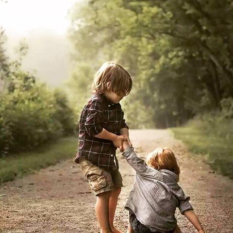 بالصور صور معبرة عن الصداقة , تدوم الصداقة مهما باعدت بين الاصدقاء الظروف والايام 3442 3