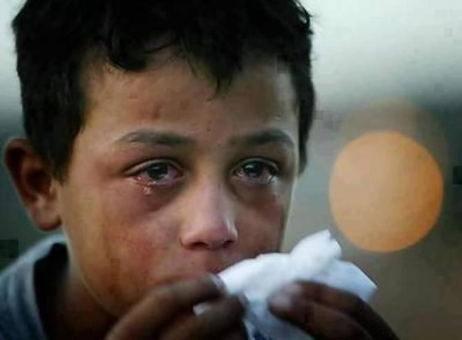 بالصور رجل يبكي , دموع الرجال غالية 3476 8