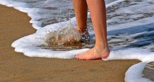 صور تفسير حلم المشي بدون حذاء للعزباء , تفسير حلم حافي القدمين للعزباء